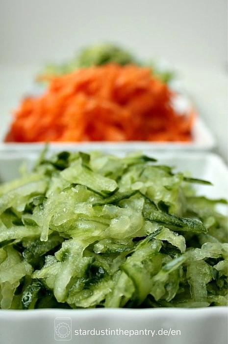 Karotten, Zucchini und Gurken für Salat Wraps