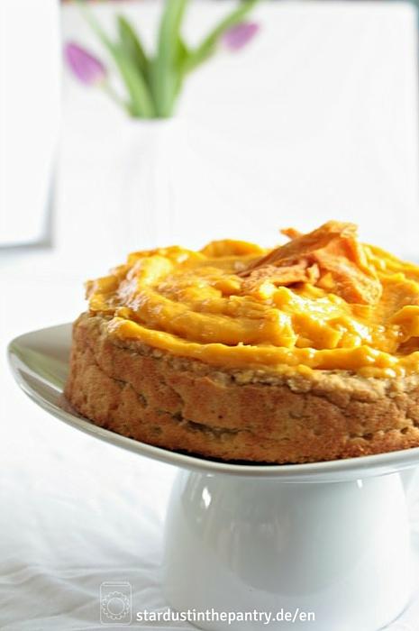 Zuckerfreier Mangokuchen mit cremigem Mango Topping! Der perfekte Frühlingskuchen