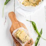Glutenfreies Bärlauchbrot mit Maismehl. Einfaches und unkompliziertes Rezept!