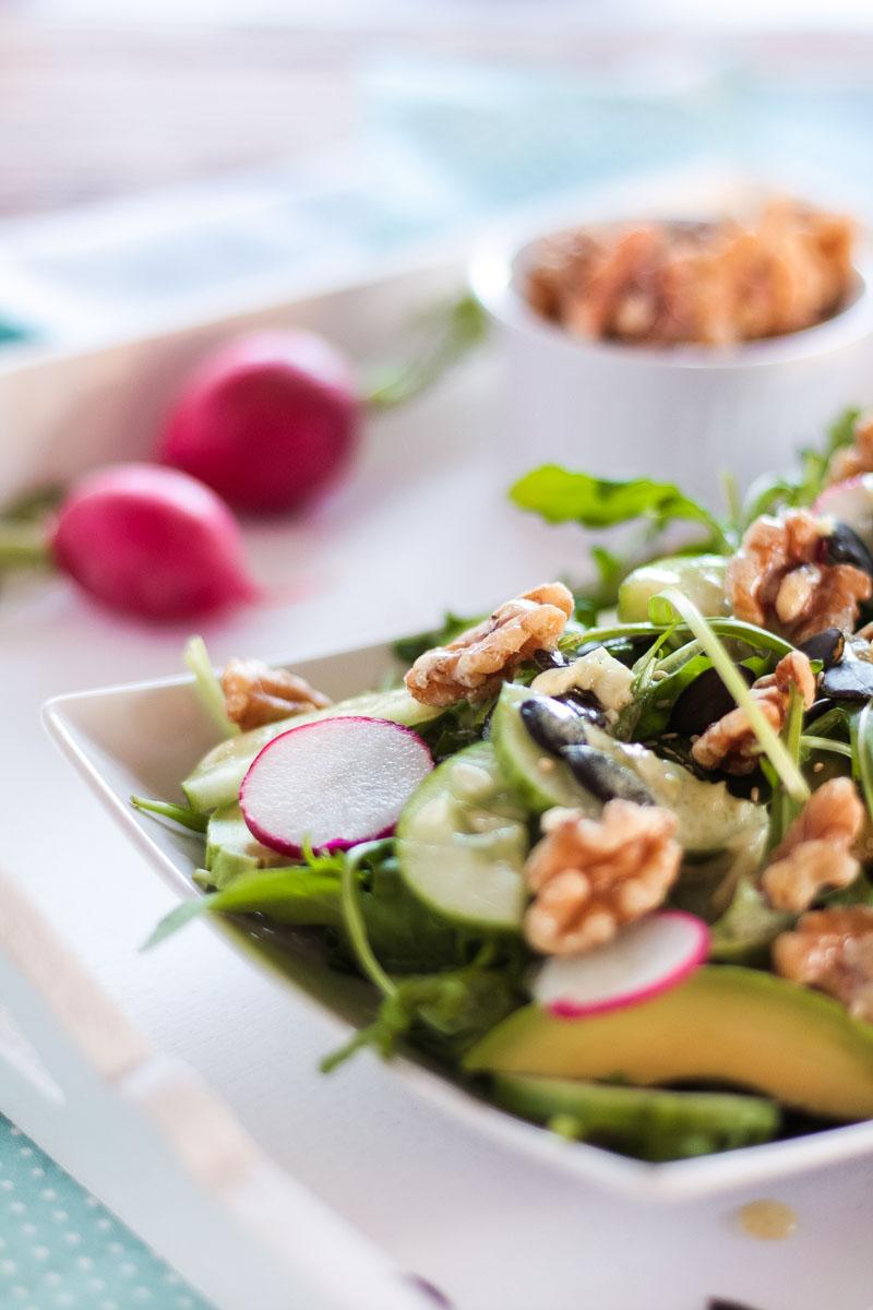 veganer rucola nuss salat mit viel magnesium f r starke nerven. Black Bedroom Furniture Sets. Home Design Ideas