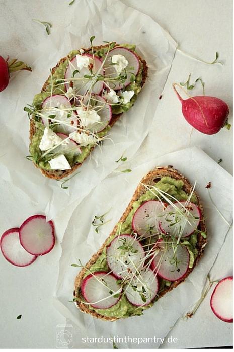 Leckeres Avocado Sandwich - ideal als schnelles Mittagessen das satt macht!