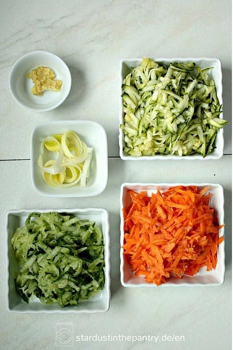 Karotten, Zucchini und Gurken für Salat Wraps(1)