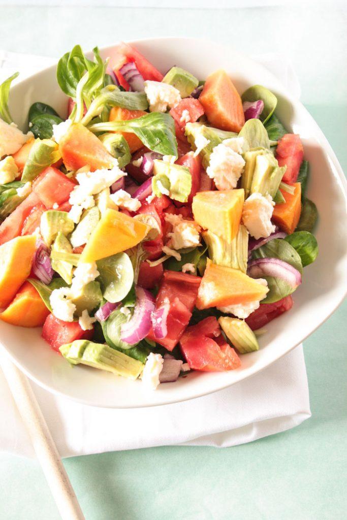 Fruchtig herzhafter Papaya Salat! Lecker, gesund und schnell gemacht! Rezeptkarte zum Herunterladen auf dem Blog!