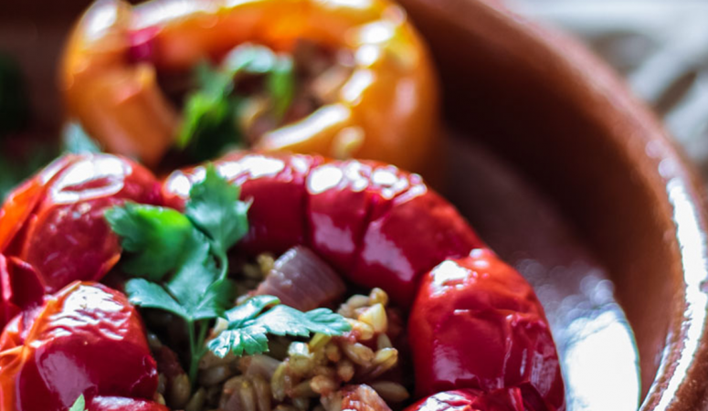 Vegan gefüllte Paprika.