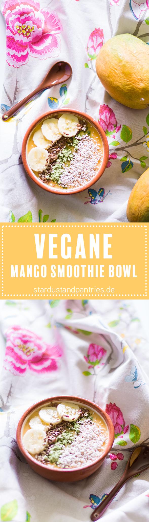 Vegane Mango Smoothie Bowl mit Amaranth und Weizengrass - ein gesundes und sättigendes Frühstück. Eine Rezeptkarte gibt es auf dem Blog zum download!