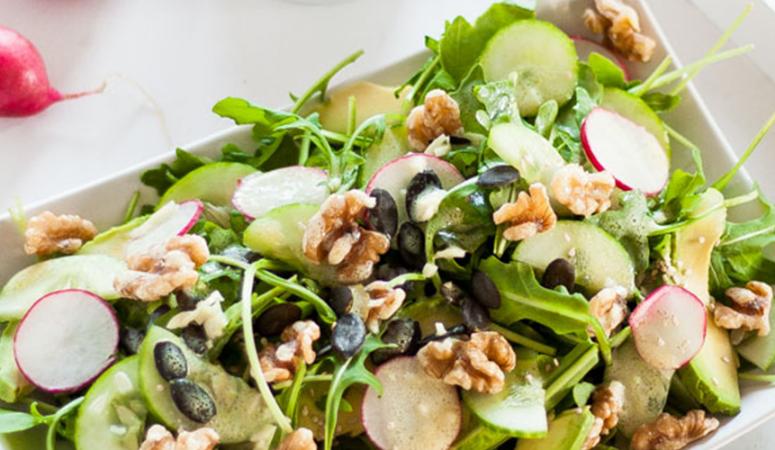 Vegan Monday Rucola-Nuss Salat