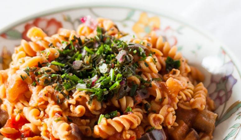 Vegane und glutenfreie One-Pot Kichererbsen Pasta