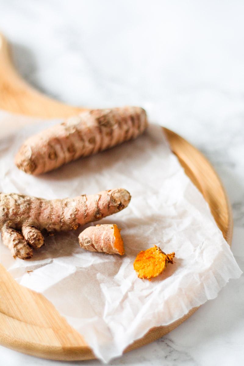 Superfoods für Smoothies und Frühstück erklärt -Kurkuma