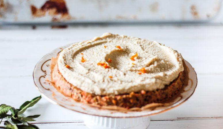 Veganer Karottenkuchen mit feinem Orangenaroma