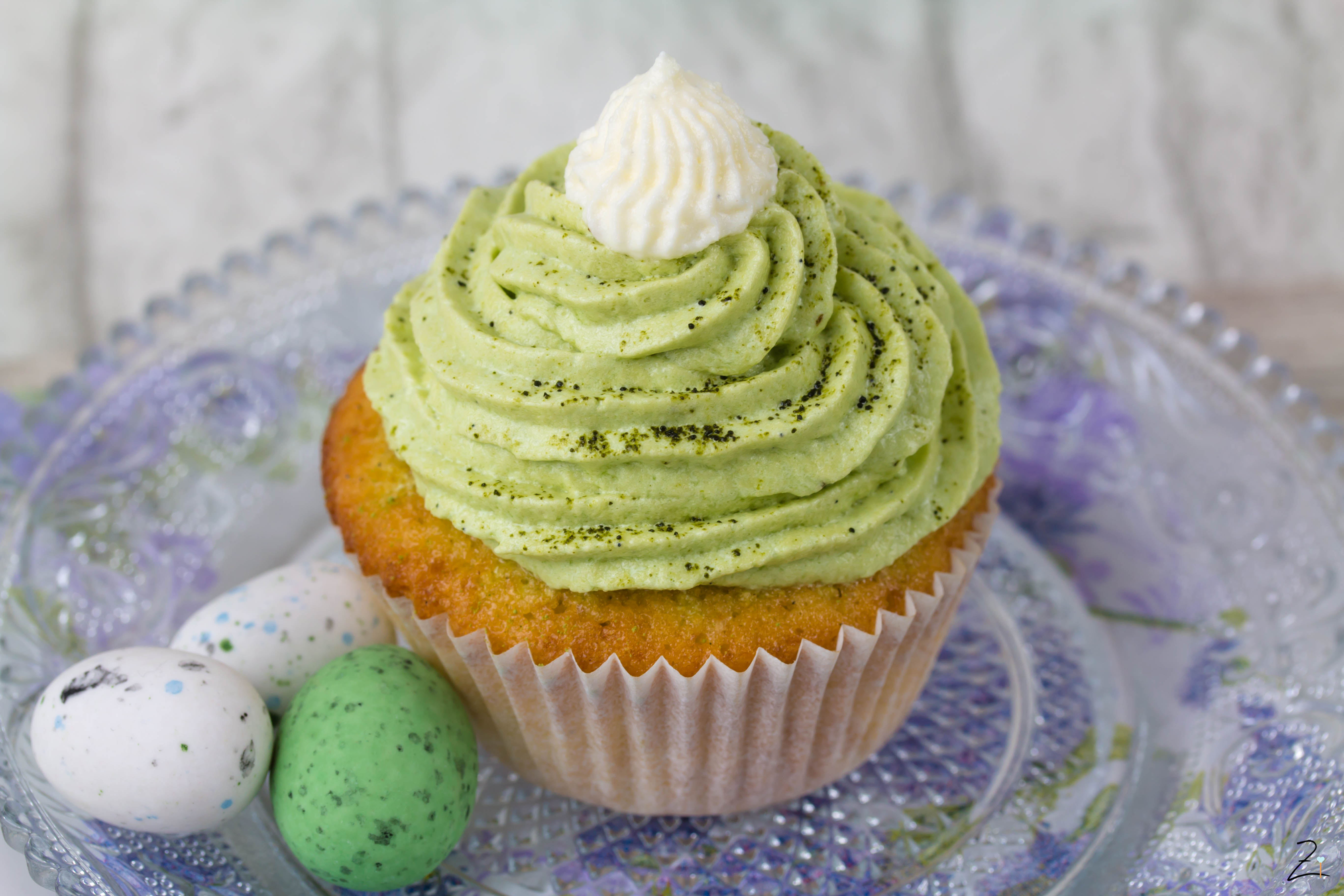 Zimtblume.de - Vanille Cupcakes mit Matcha Topping