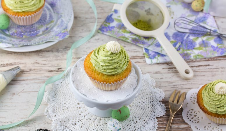Gastbeitrag: Vanille Cupcakes mit Matcha Topping