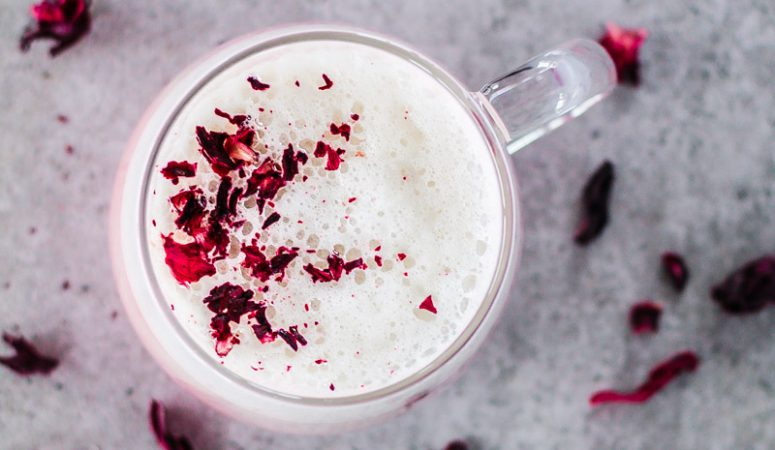 Veganer Hibiskus Latte