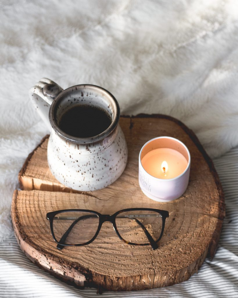 Self Care Ideen für's ganze Jahr! Jede Woche gibt's eine neue Idee für Körper, Geist und Seele, mit vielen Tipps! Klick und lese auf dem Blog weiter! #selfcare #achtsamkeit #entspannung