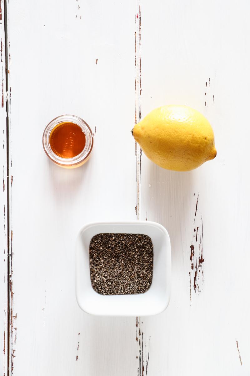 Einfache zuckerfreie selbstgemachte Himbeer Chia Marmelade mit nur drei Zutaten, vegan!
